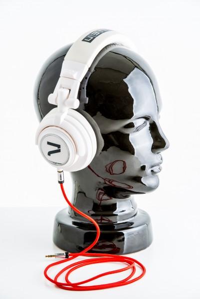 7even Kopfhörer weiß rotes textil Kabel